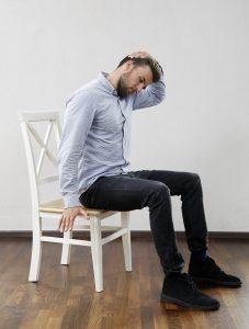 Lieblingsübung der Gesundheitsförderung in Hamburg gegen Nackenschmerzen